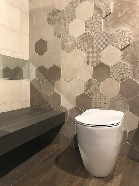 Sala mostra carta costruire e abitare - Piastrelle esagonali gres porcellanato ...