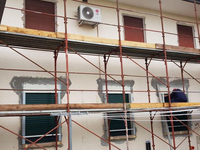 Preparazione facciata per la posa del cappotto termico esterno