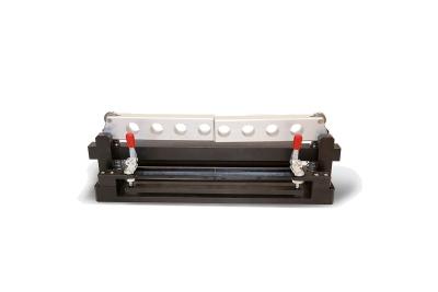 Piegatrice GeoSteel per la sagomatura dei tessuti in acciaio GeoSteel